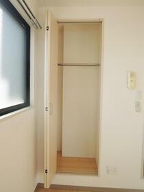 エスト横浜 00502号室の収納
