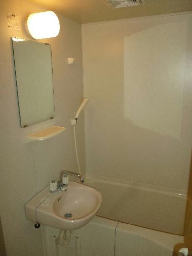 レオパレススターハイム 101号室の風呂