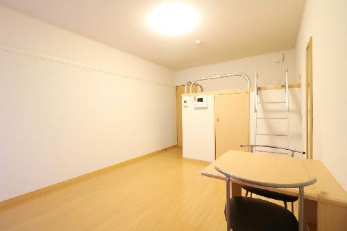 レオパレスラ グラシューズ 104号室のリビング