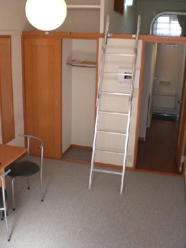 レオパレスソレーユ 206号室のリビング