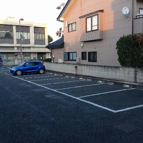 レオパレスケレス 104号室の駐車場