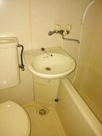 リーベ田浦 203号室の風呂