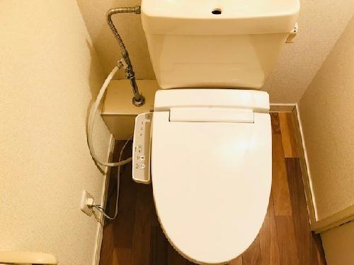 レオパレスアコール 202号室のトイレ