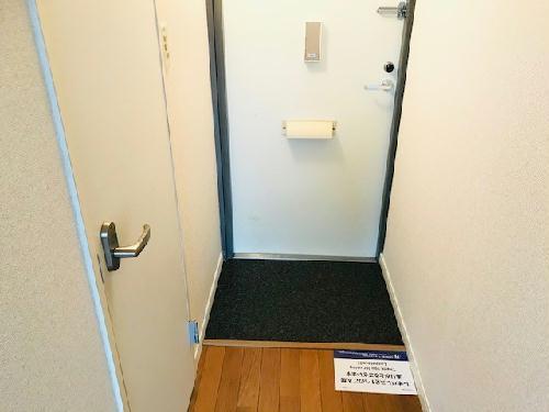 レオパレスアコール 202号室の玄関