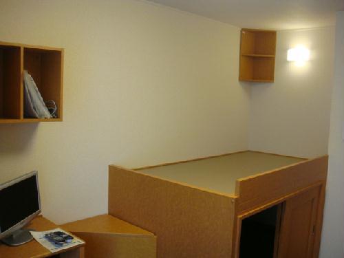レオパレスシティーストーン 104号室のリビング