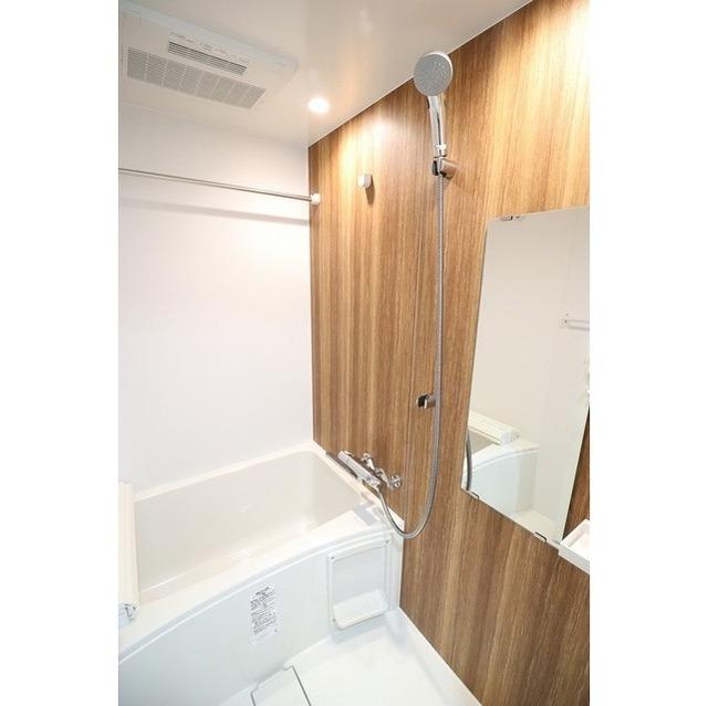コンフォリア志村坂上 203号室の風呂