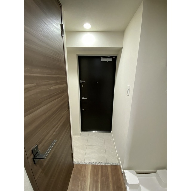 コンフォリア志村坂上 206号室の玄関