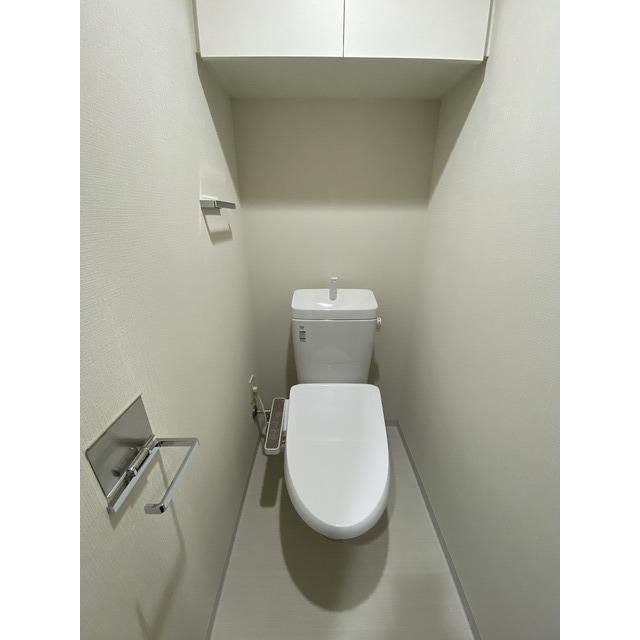 コンフォリア志村坂上 206号室のトイレ