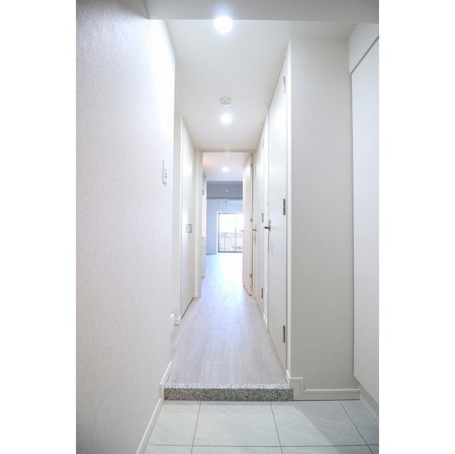 コンフォリア志村坂上 303号室の玄関