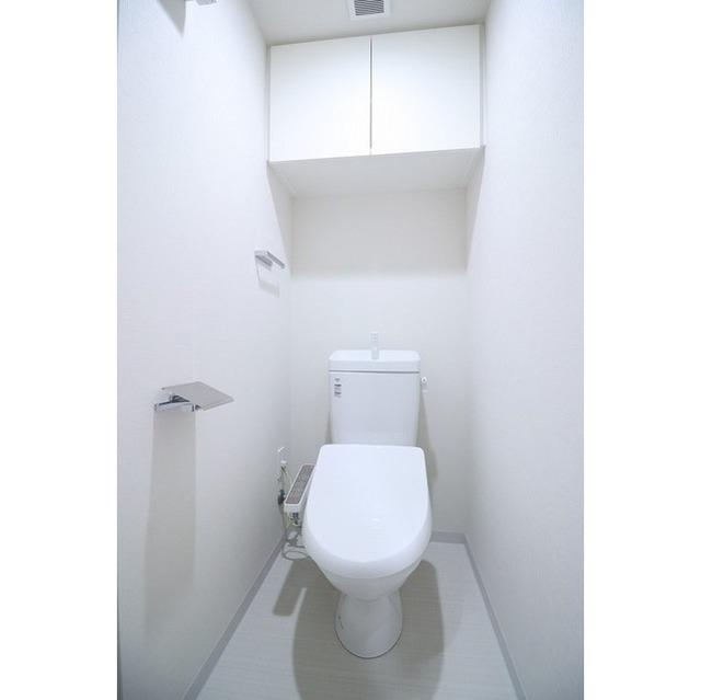 コンフォリア志村坂上 303号室のトイレ