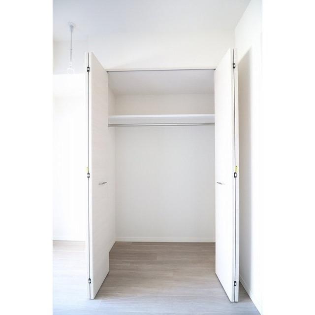 コンフォリア志村坂上 303号室の収納