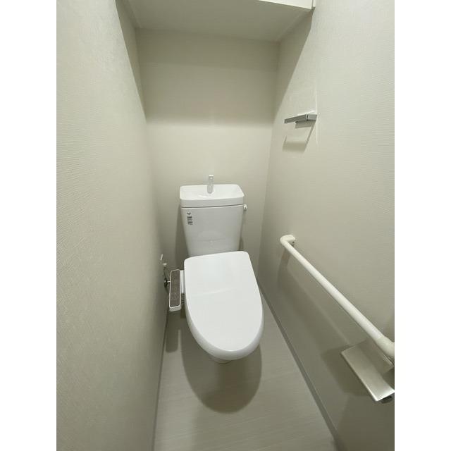コンフォリア志村坂上 409号室の洗面所