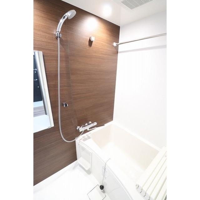 コンフォリア志村坂上 509号室の風呂