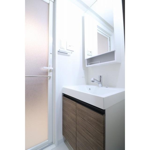 コンフォリア志村坂上 509号室の洗面所