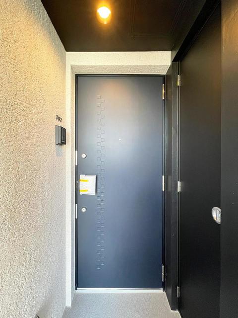 the KOISHIKAWA 402号室の玄関