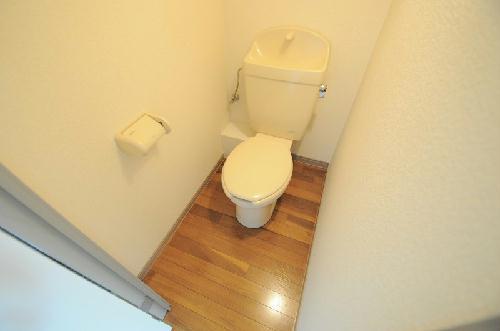 レオパレスI's 104号室のトイレ