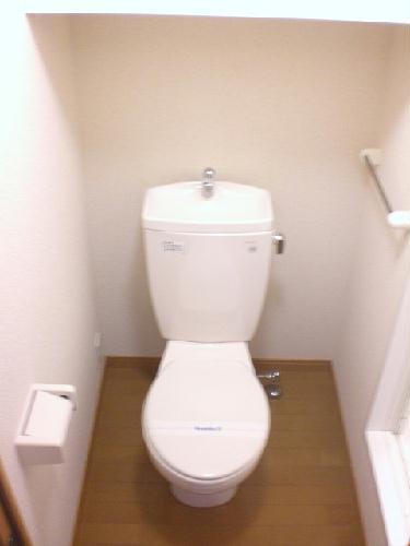 レオパレスノワール 106号室のトイレ