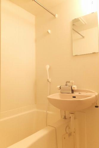 レオパレスレインボー シャトウ 101号室の風呂