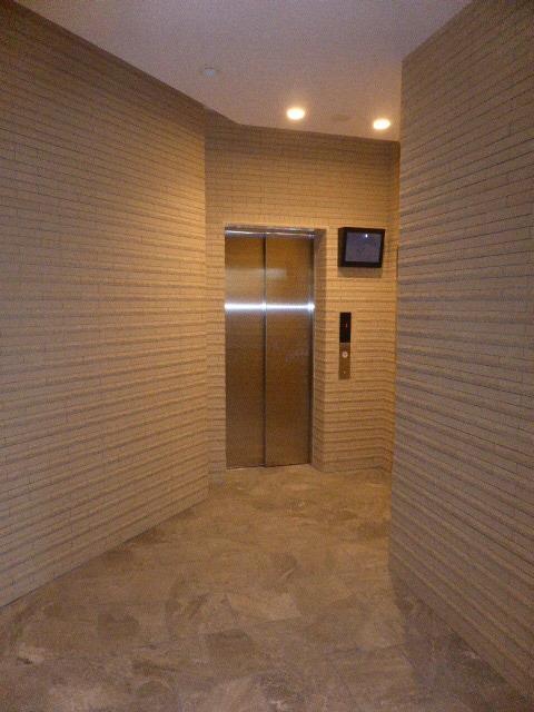エスリード名城公園プライム 505号室のエントランス