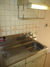 メゾン・ド・オヌール 0213号室のキッチン