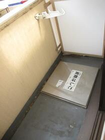 メゾン・ド・オヌール 0213号室のバルコニー