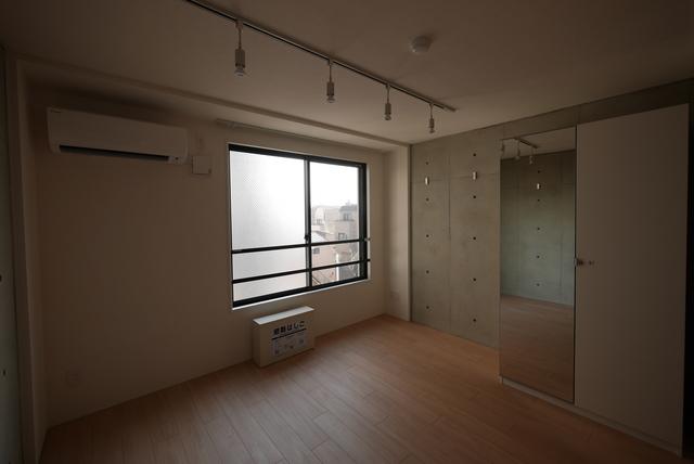 ALERO Nakano-Shimbas 102号室のリビング