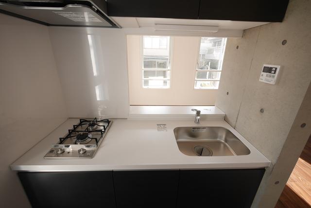 ALERO Nakano-Shimbas 202号室のキッチン