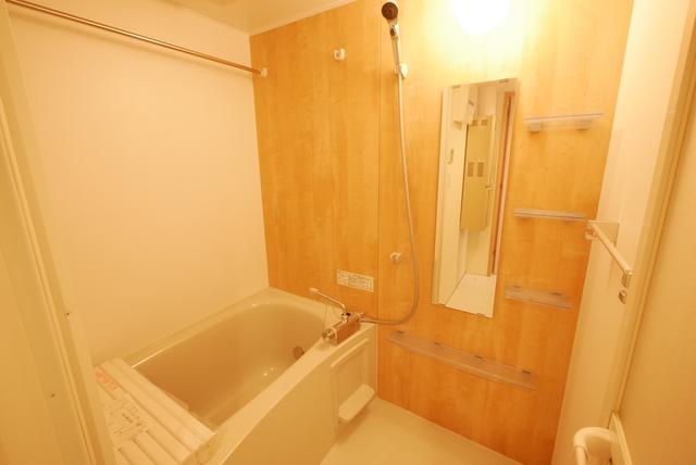 ALERO Nakano-Shimbas 202号室の風呂