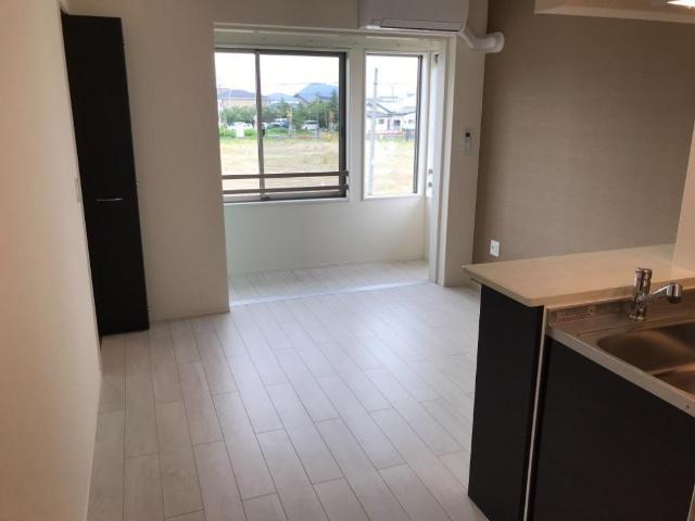 (キャトルセゾン)安行吉岡新築アパート 203号室のリビング