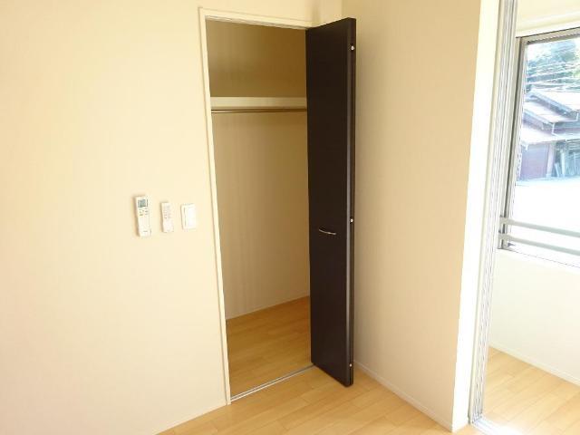 (キャトルセゾン)安行吉岡新築アパート 203号室の玄関
