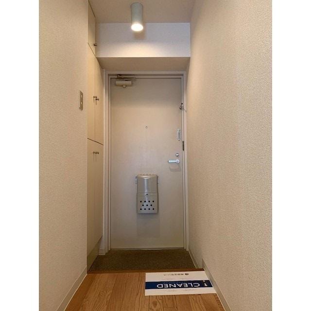 ニューハイツ蔵前 0201号室の玄関