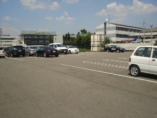 フィレンツェ 04020号室の駐車場