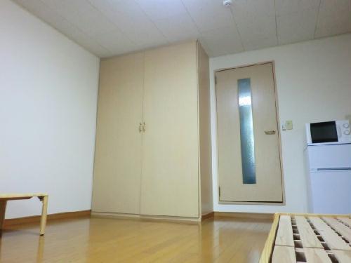 レオパレス深谷 103号室のリビング