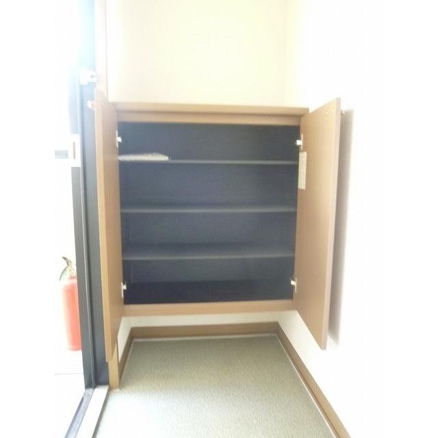 ステージモリ 103号室の玄関