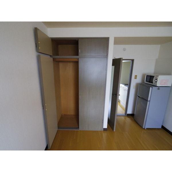 第二山本ビル 303号室の収納
