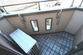 アンベリール 3F号室のバルコニー
