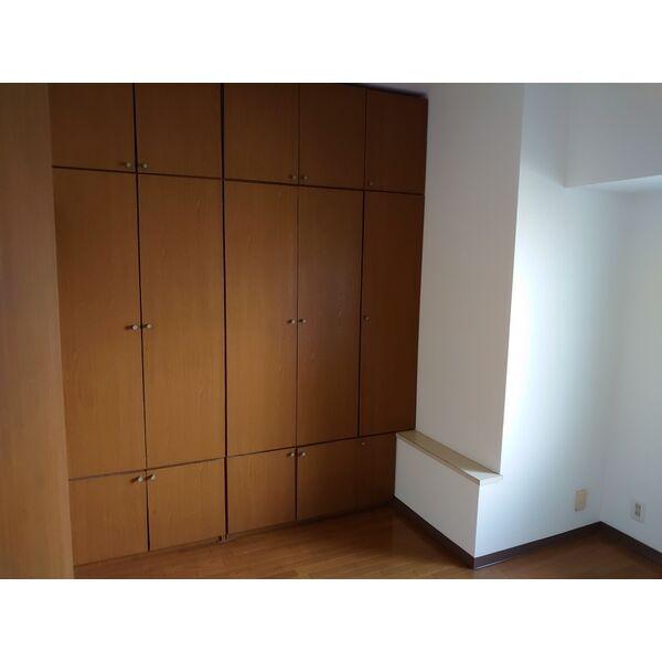 サンハウス木曽川 5F号室の居室