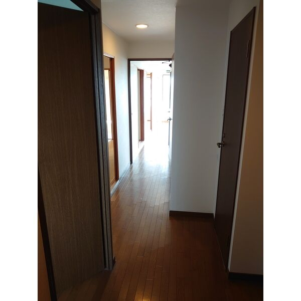 サンハウス木曽川 5F号室の玄関