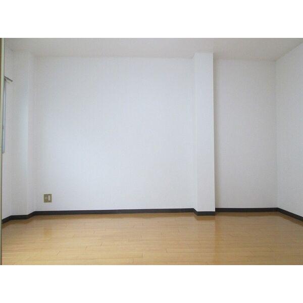 プレアール井高野 306号室のリビング