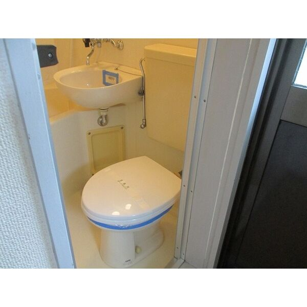 プレアール井高野 306号室のトイレ