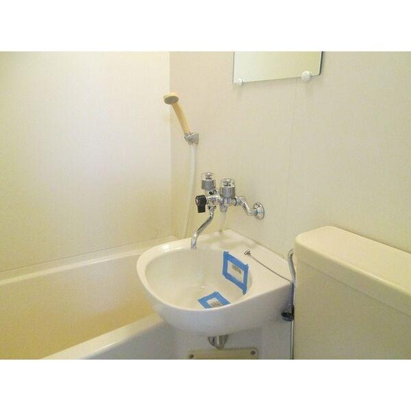 プレアール井高野 306号室の洗面所
