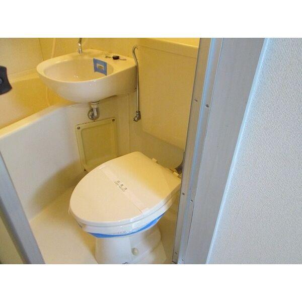 プレアール井高野 202号室のトイレ