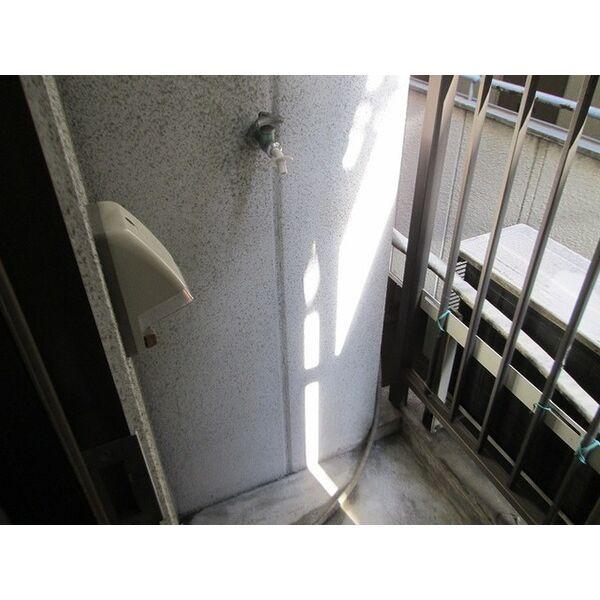 プレアール井高野 202号室のバルコニー