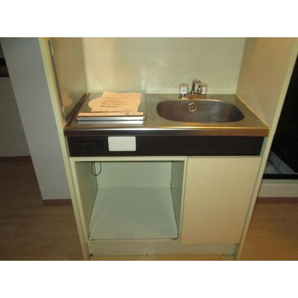 プレアール井高野 205号室のキッチン