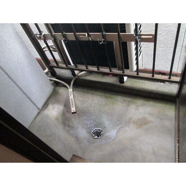プレアール井高野 205号室のバルコニー
