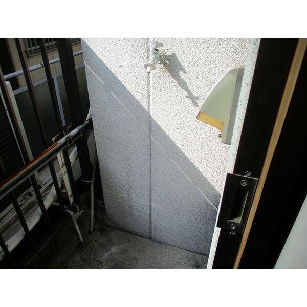 プレアール井高野 303号室のバルコニー