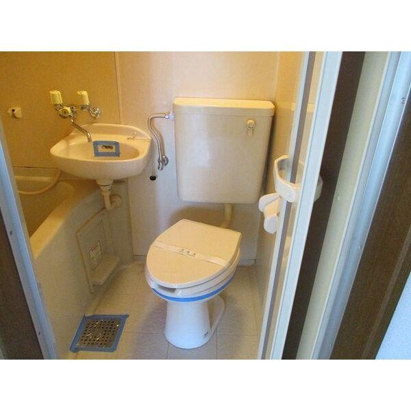 プレアール下新庄Ⅱ 205号室のトイレ