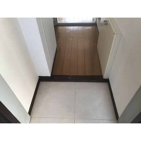 ミリアン稲沢駅前 502号室の玄関