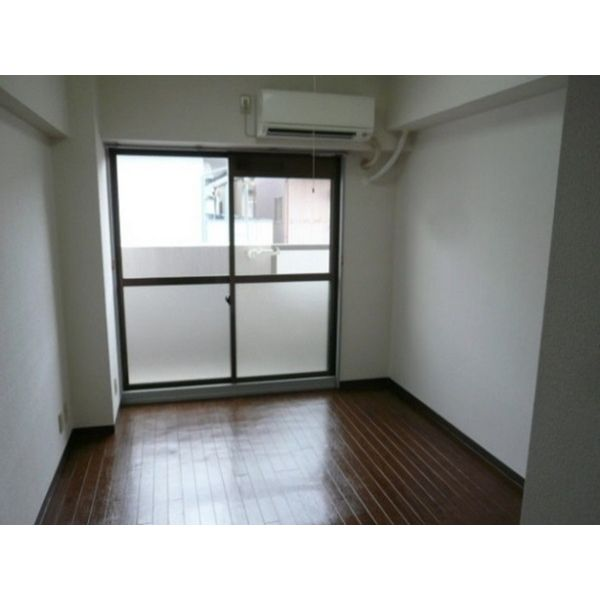 ミリアン稲沢駅前 207号室の居室