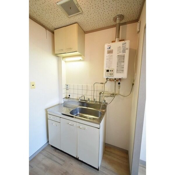 五月ハイツ 0214号室のキッチン